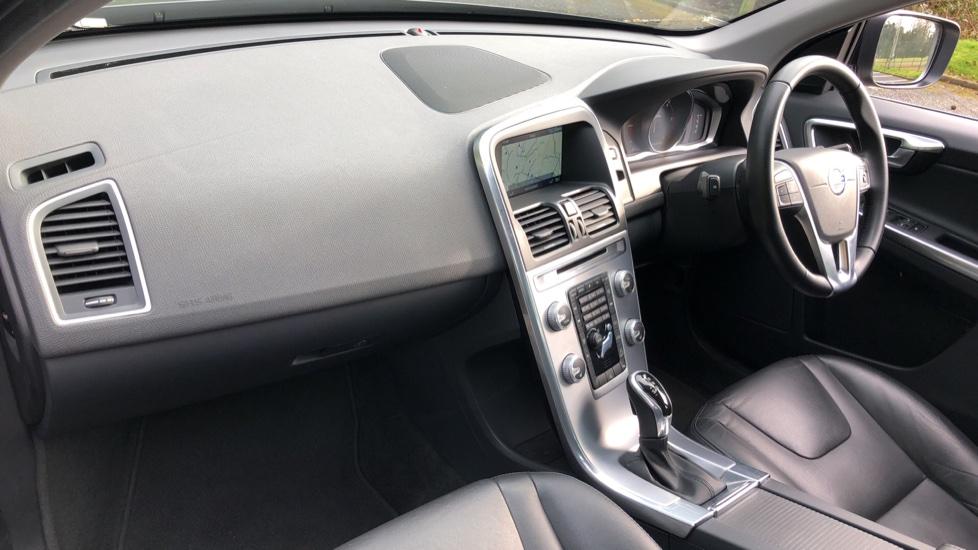 Volvo XC60 D5 SE Lux Nav AWD AT, Winter Pk, Active Bending Headlights, R. Sensors, Keyless Drive, DAB Radio image 10
