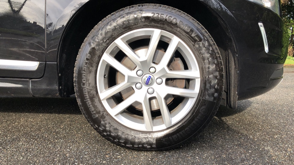 Volvo XC60 D5 SE Lux Nav AWD AT, Winter Pk, Active Bending Headlights, R. Sensors, Keyless Drive, DAB Radio image 17