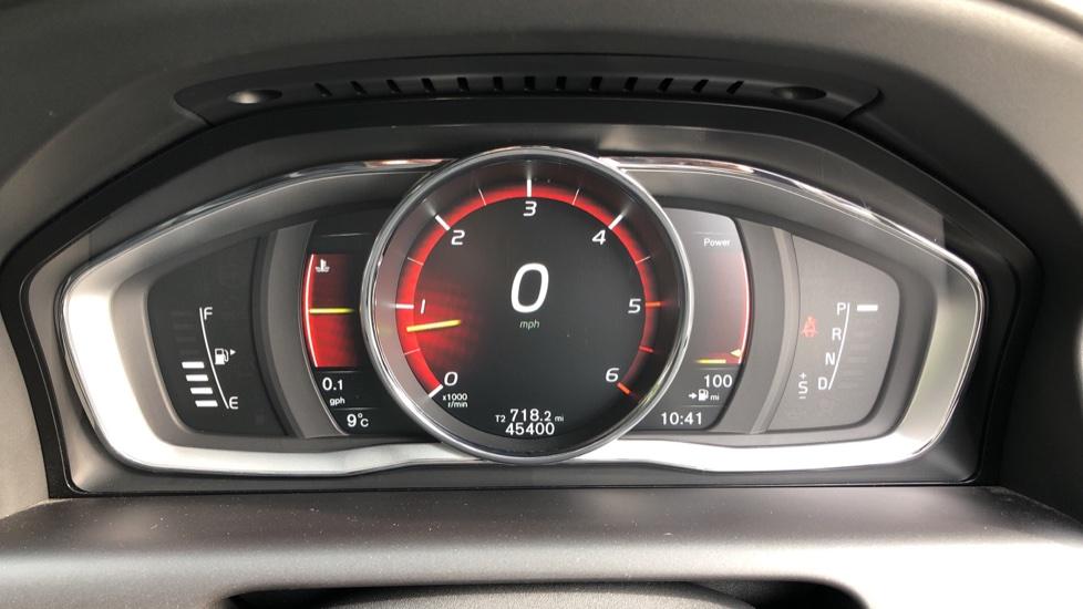 Volvo XC60 D5 SE Lux Nav AWD AT, Winter Pk, Active Bending Headlights, R. Sensors, Keyless Drive, DAB Radio image 12