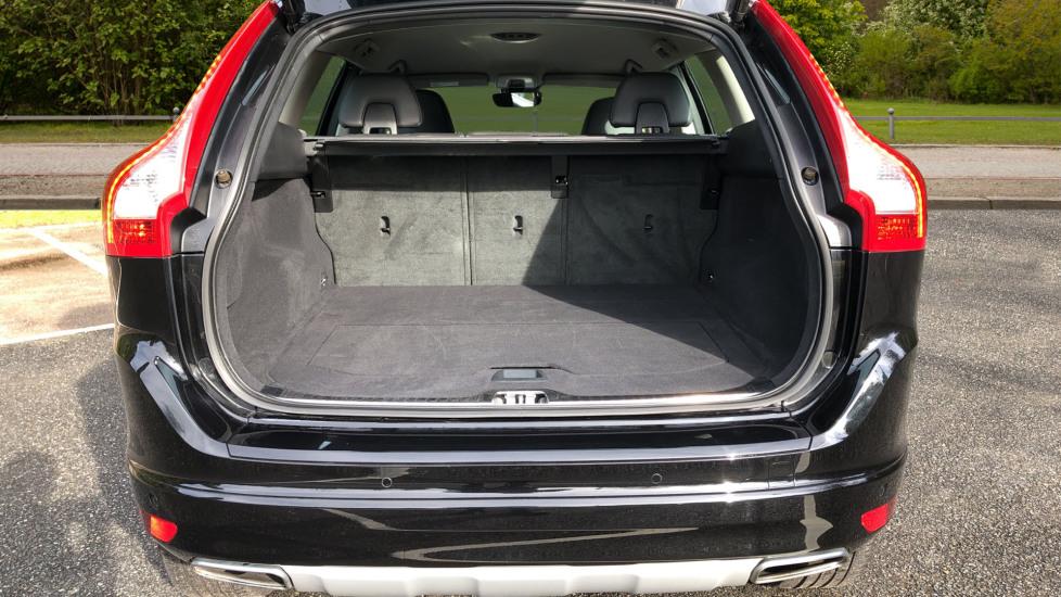 Volvo XC60 D5 SE Lux Nav AWD AT, Winter Pk, Active Bending Headlights, R. Sensors, Keyless Drive, DAB Radio image 15