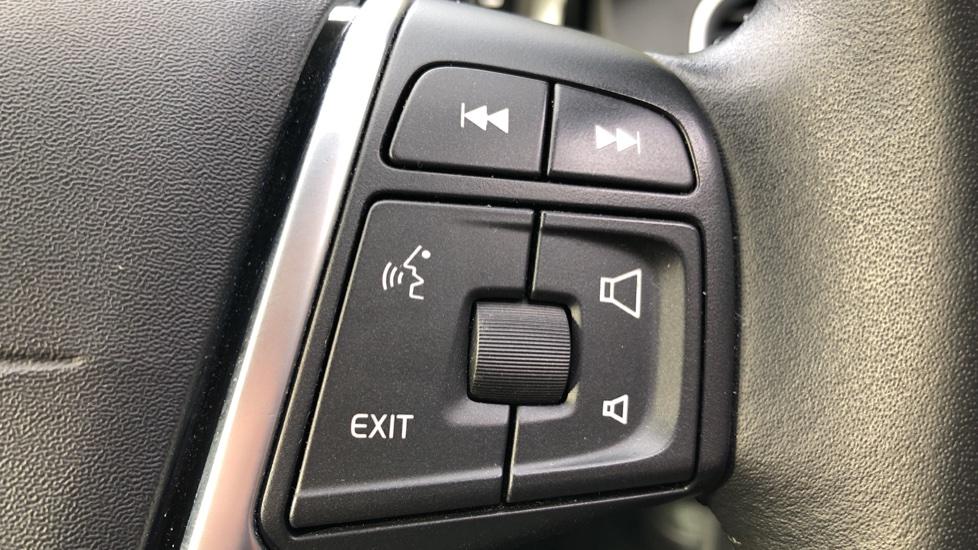 Volvo XC60 D5 SE Lux Nav AWD AT, Winter Pk, Active Bending Headlights, R. Sensors, Keyless Drive, DAB Radio image 19