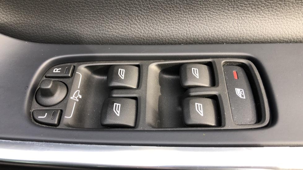 Volvo XC60 D5 SE Lux Nav AWD AT, Winter Pk, Active Bending Headlights, R. Sensors, Keyless Drive, DAB Radio image 29