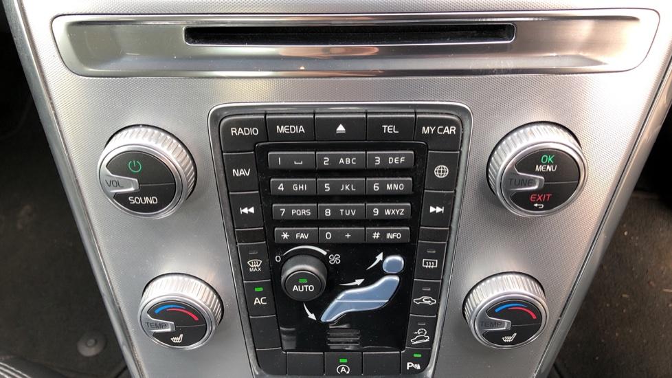 Volvo XC60 D5 SE Lux Nav AWD AT, Winter Pk, Active Bending Headlights, R. Sensors, Keyless Drive, DAB Radio image 24