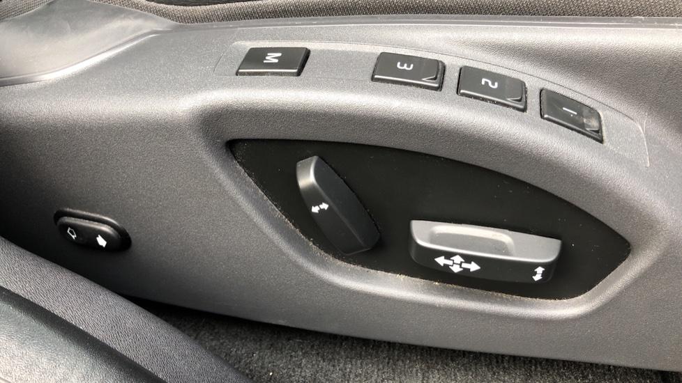 Volvo XC60 D5 SE Lux Nav AWD AT, Winter Pk, Active Bending Headlights, R. Sensors, Keyless Drive, DAB Radio image 8