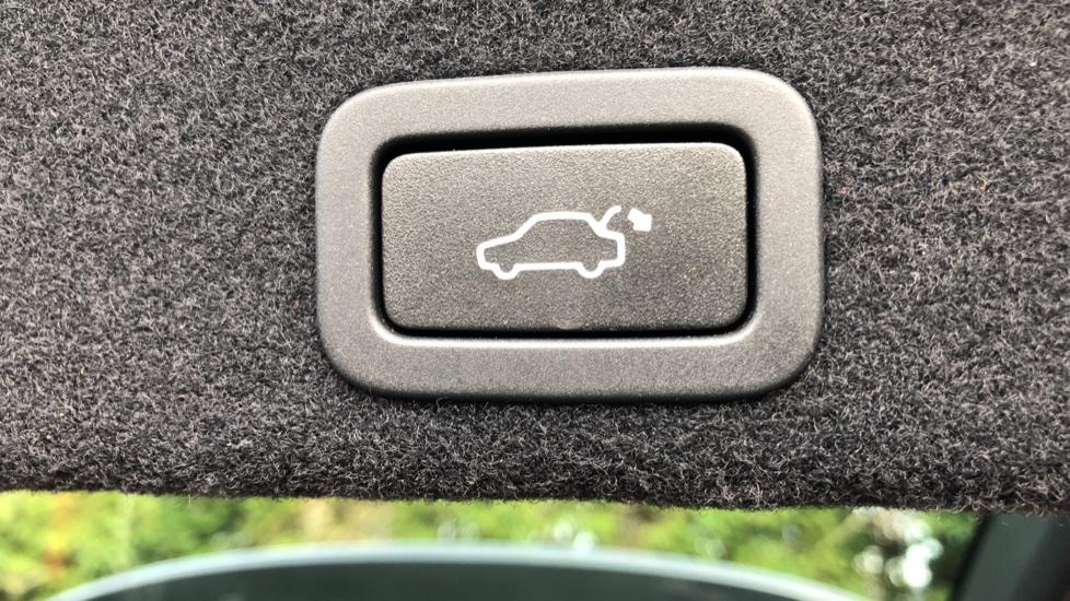 Volvo XC60 D5 SE Lux Nav AWD AT, Winter Pk, Active Bending Headlights, R. Sensors, Keyless Drive, DAB Radio image 16