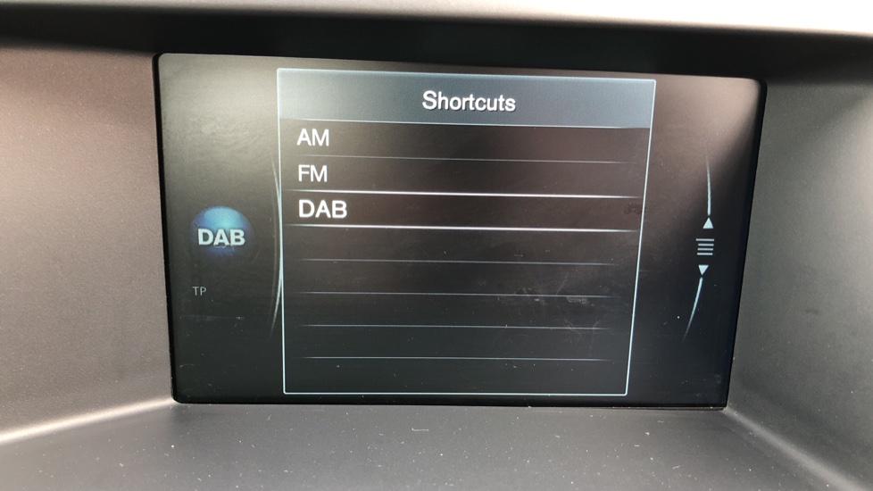 Volvo XC60 D5 SE Lux Nav AWD AT, Winter Pk, Active Bending Headlights, R. Sensors, Keyless Drive, DAB Radio image 21