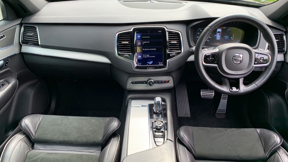 Volvo XC90 2.0 T8 Hybrid R Design Auto W. Sensus Navigation, Rear Park Assist & Cruise Control image 6