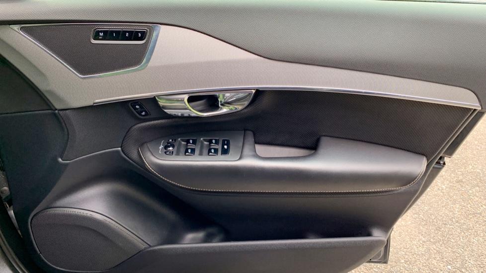 Volvo XC90 2.0 T8 Hybrid R Design Auto W. Sensus Navigation, Rear Park Assist & Cruise Control image 16