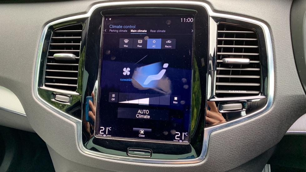 Volvo XC90 2.0 T8 Hybrid R Design Auto W. Sensus Navigation, Rear Park Assist & Cruise Control image 18