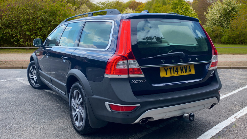 Don't Expect The 2018 Volvo XC70, Consider Brand's Alternatives >> Volvo Xc70 D4 Se Awd Nav Auto With Front Rear Park Assist Satellite Navigation And Power Operated Tailgate 2 4 Diesel Automatic 5 Door Estate