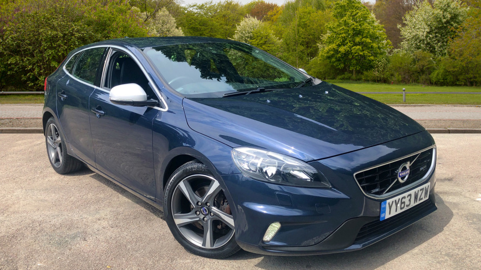Volvo V40 D2 R DESIGN Manual with Winter Pack, DAB Radio, Auto Wipers, Heated Screen & Front Seats.  1.6 Diesel 5 door Hatchback (2013) image