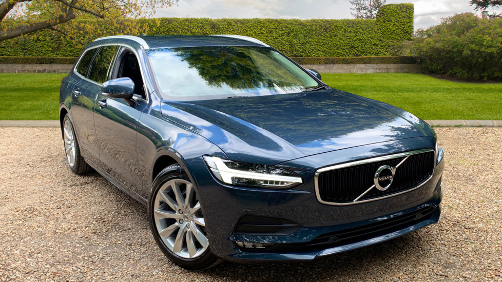 Volvo V90 2.0 D4 Momentum Pro Auto with Front Park Assist, Sensus Nav & Privacy Glass Diesel Automatic 5 door Estate (2019) image