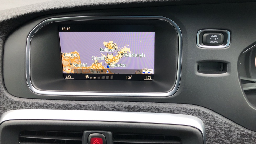 Volvo V40 T3 R Design Edition Auto, Nav, Active Bending Headlights, F & R Sensors & Rear Camera, DAB Radio image 5