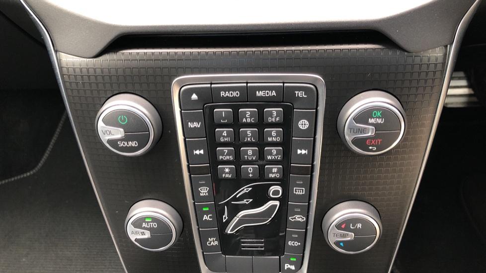 Volvo V40 T3 R Design Edition Auto, Nav, Active Bending Headlights, F & R Sensors & Rear Camera, DAB Radio image 20