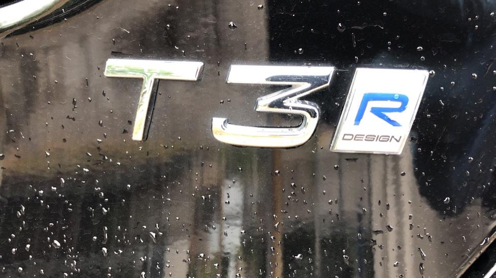 Volvo V40 T3 R Design Edition Auto, Nav, Active Bending Headlights, F & R Sensors & Rear Camera, DAB Radio image 27