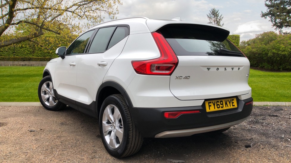 Volvo XC40 D3 Momentum Pro Manual, Rr.Sensors & Camera, Tempa Spare, Active Bend Lights, Heated Screen image 5