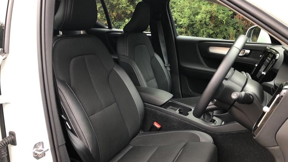 Volvo XC40 D3 Momentum Pro Manual, Rr.Sensors & Camera, Tempa Spare, Active Bend Lights, Heated Screen image 8