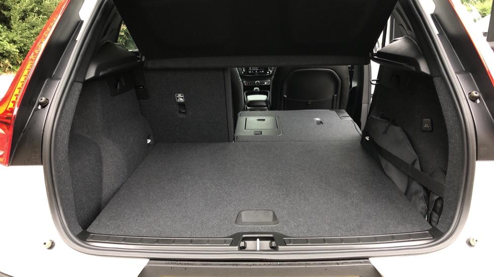 Volvo XC40 D3 Momentum Pro Manual, Rr.Sensors & Camera, Tempa Spare, Active Bend Lights, Heated Screen image 10