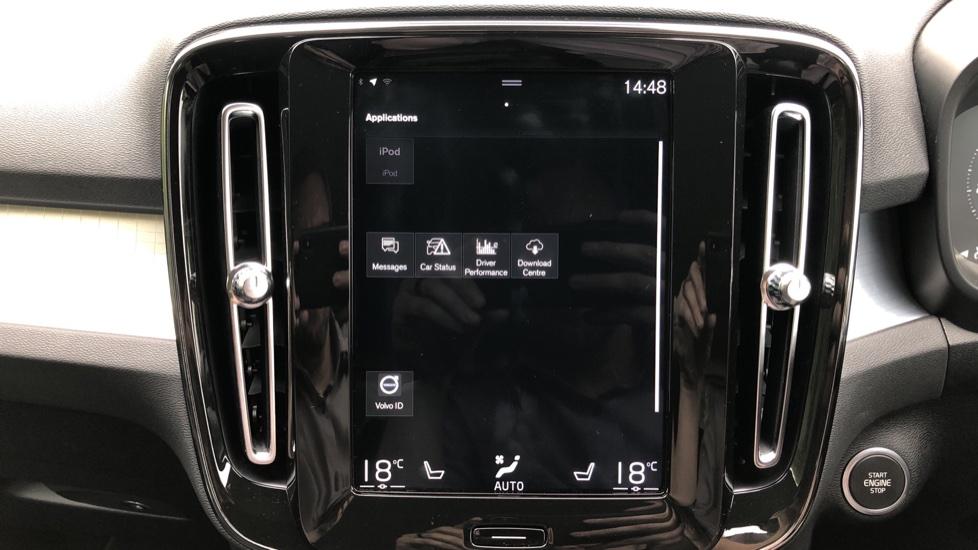 Volvo XC40 D3 Momentum Pro Manual, Rr.Sensors & Camera, Tempa Spare, Active Bend Lights, Heated Screen image 27