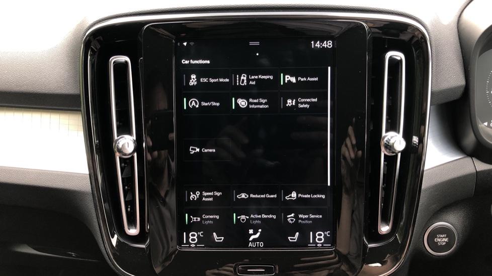 Volvo XC40 D3 Momentum Pro Manual, Rr.Sensors & Camera, Tempa Spare, Active Bend Lights, Heated Screen image 7