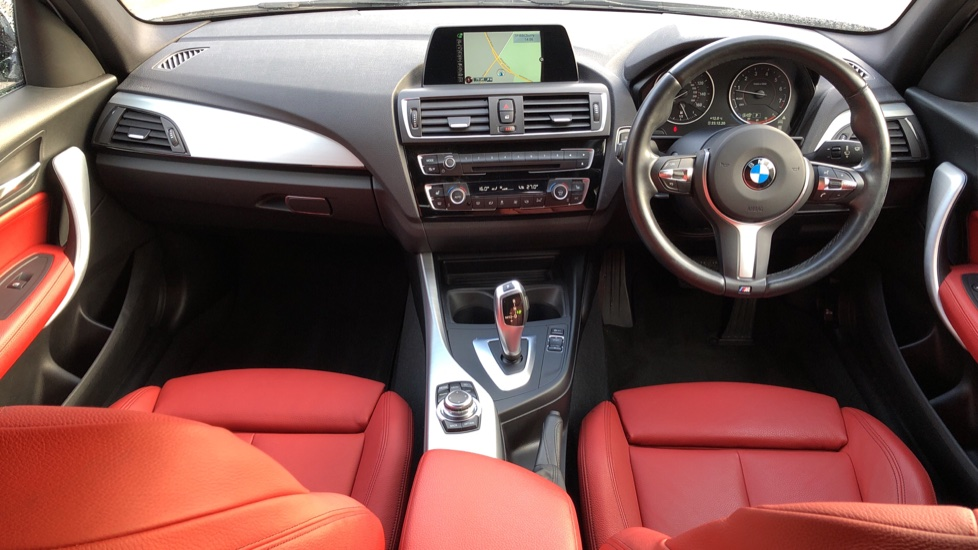 BMW 1 Series 120i M Sport 5dr Auto, Nav, Keyless Drive, DAB Radio, Extended Lighting Package, Heated Seats image 7
