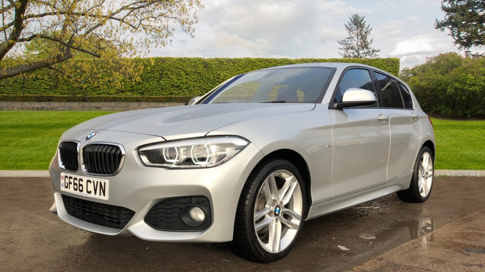 BMW 1 Series 120i M Sport 5dr Auto, Nav, Keyless Drive, DAB Radio, Extended Lighting Package, Heated Seats image 4