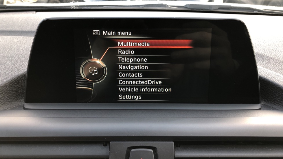 BMW 1 Series 120i M Sport 5dr Auto, Nav, Keyless Drive, DAB Radio, Extended Lighting Package, Heated Seats image 24