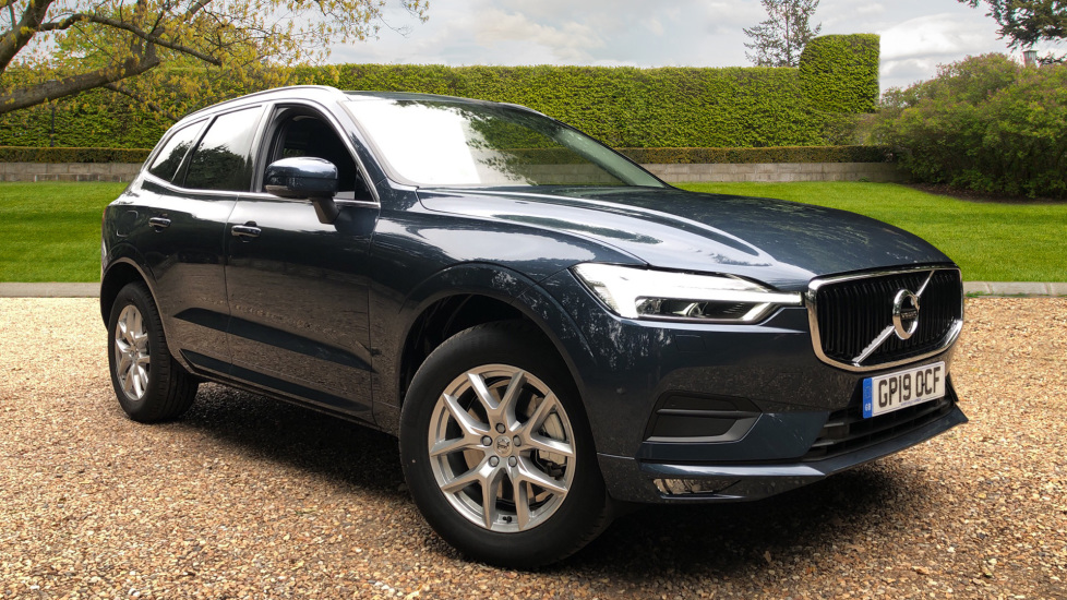 Volvo XC60 2.0 T5 Momentum Pro Auto with Family Pk, Convenience Pk, BLIS, Privacy Glass & 360 Camera Automatic 5 door Estate (2019) image