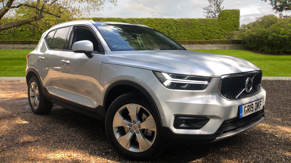 Volvo XC40 2.0 T4 Momentum Pro Auto with Xenium Pack, BLIS, Privacy Glass & Powered Child Locks. Automatic 5 door 4x4 (2019)
