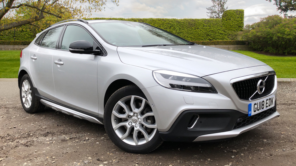 Volvo V40 T3 Cross Country Pro Auto, Winter Pack, Nav, DAB Radio, DVD, 17 Inch Alloys 1.5 Automatic 5 door Hatchback (2018)