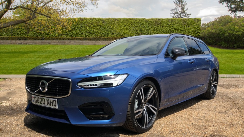 Volvo V90 T4 R Design Plus AT, Winter Pk, 360 Cam, IntelliSurround with BLIS, 20in Alloys, 3 Pin Socket image 3
