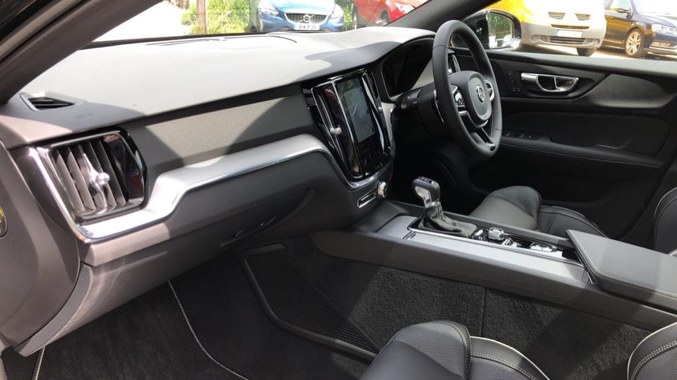 Volvo S60 T5 R Design Plus AT, Xenium, Winter & Convenience Pks, BLIS, 19in Alloys, Auto Dimming Mirrors image 9