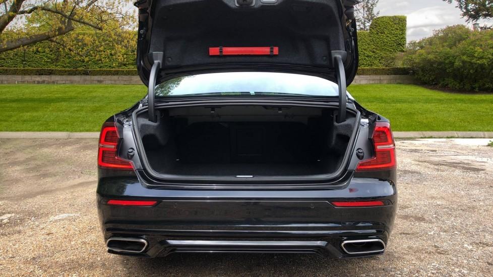 Volvo S60 T5 R Design Plus AT, Xenium, Winter & Convenience Pks, BLIS, 19in Alloys, Auto Dimming Mirrors image 18