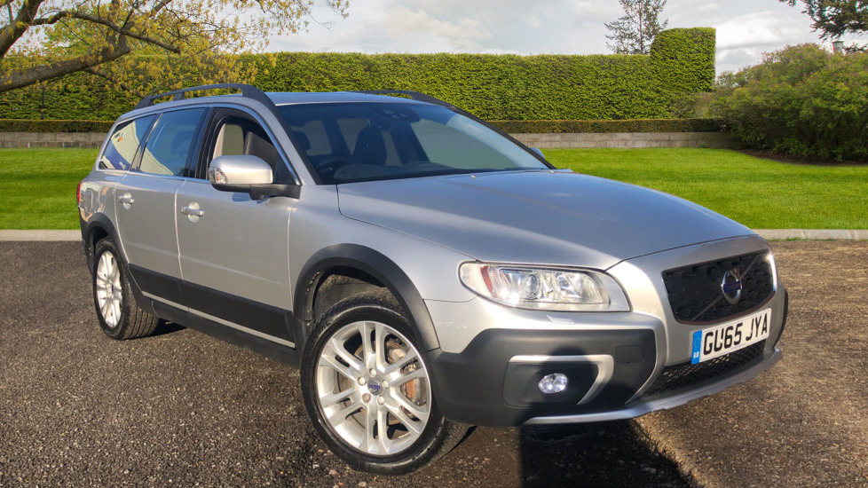 Volvo XC70 D5 SE Lux AWD AT, Sunroof, Drivers Support Pk/Family Pk/Winter Pk with Active Bending Lights 2.4 Diesel Automatic 5 door 4x4 (2015) image