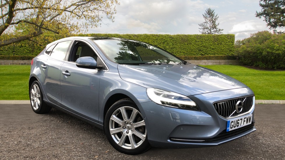 Volvo V40 T2 Inscription Auto, Nav, Xenium & Winter Plus Pack, Glass Roof, Rear Camera, F & R Heated Seats 1.5 Automatic 5 door Hatchback (2017)