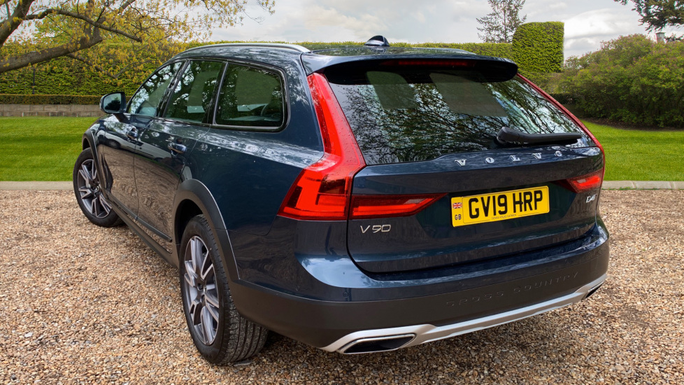 Volvo V90 2.0 D4 Cross Country Pro AWD Auto W. Xenium Pack, Smartphone Integration & BLIS image 2