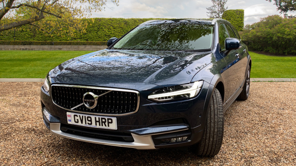 Volvo V90 2.0 D4 Cross Country Pro AWD Auto W. Xenium Pack, Smartphone Integration & BLIS image 14