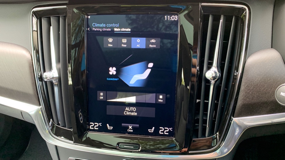 Volvo V90 2.0 D4 Cross Country Pro AWD Auto W. Xenium Pack, Smartphone Integration & BLIS image 8