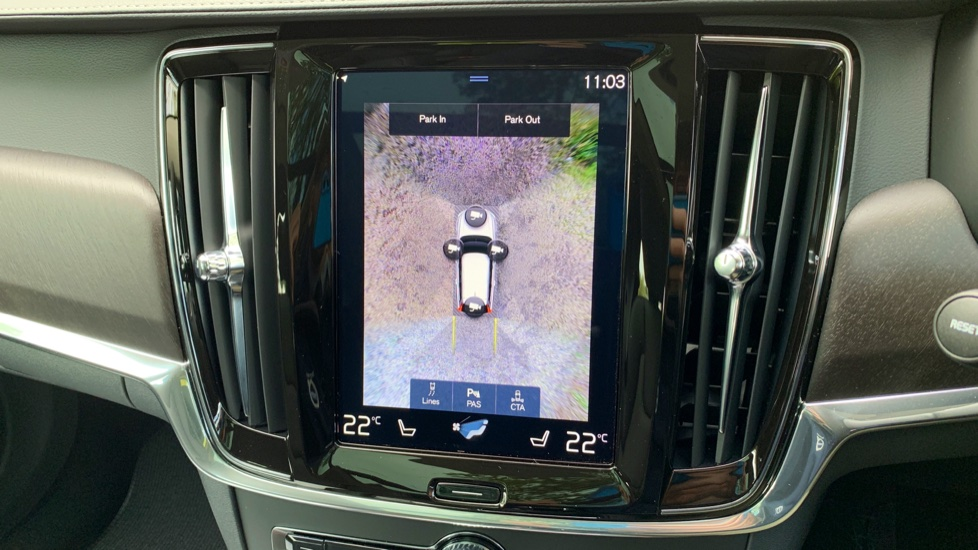 Volvo V90 2.0 D4 Cross Country Pro AWD Auto W. Xenium Pack, Smartphone Integration & BLIS image 7