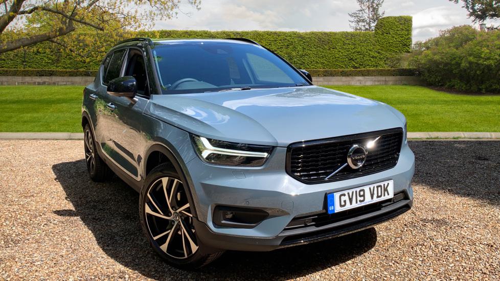Volvo XC40 2.0 D3 R Design Pro Manual W. 360 Surround Camera, Intellisafe Surround & Convenience Pack Diesel 5 door Estate (2019)