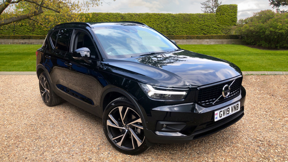 Volvo XC40 2.0 T5 R DESIGN Pro AWD Auto, Xenium, Intellisafe Surround Automatic 5 door Estate (2019) at Volvo Gatwick thumbnail image