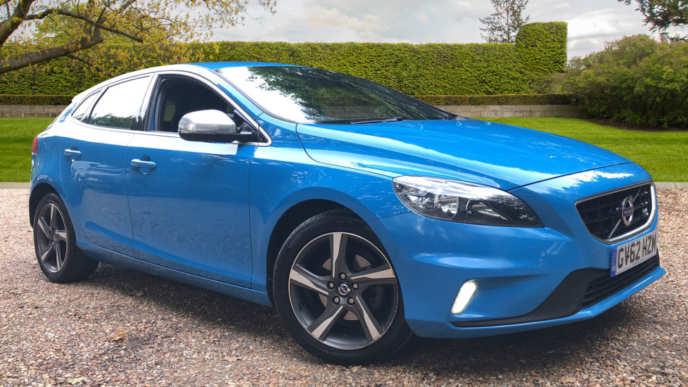Volvo V40 D2 R Design 5dr 6 Speed Manual with High Performance Audio, 17 Inch Alloy Wheels & Cruise Control. 1.6 Diesel Hatchback (2012)