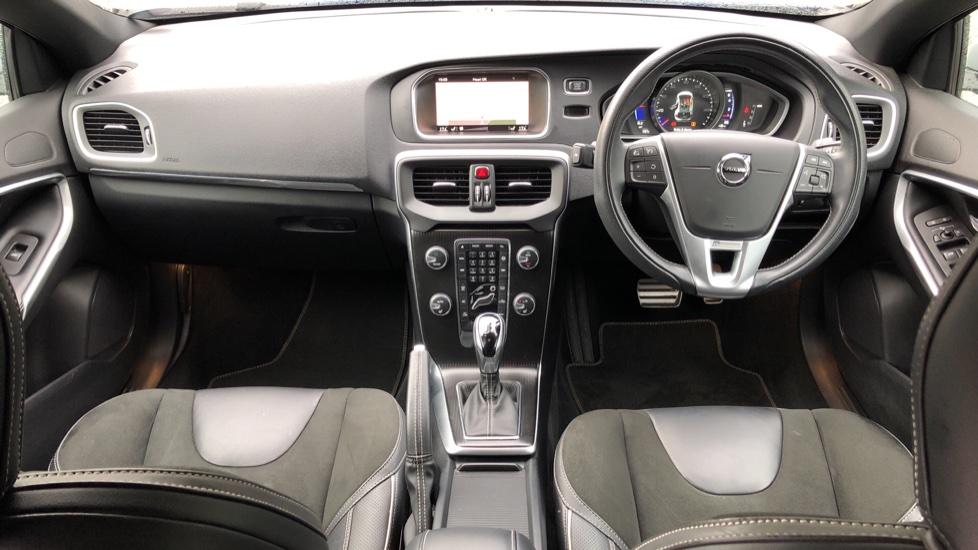Volvo V40 T2 R Design Nav Plus Auto, Winter Plus Pack, Active Bending Headlights, Tints, Rear Camera, DVD image 8