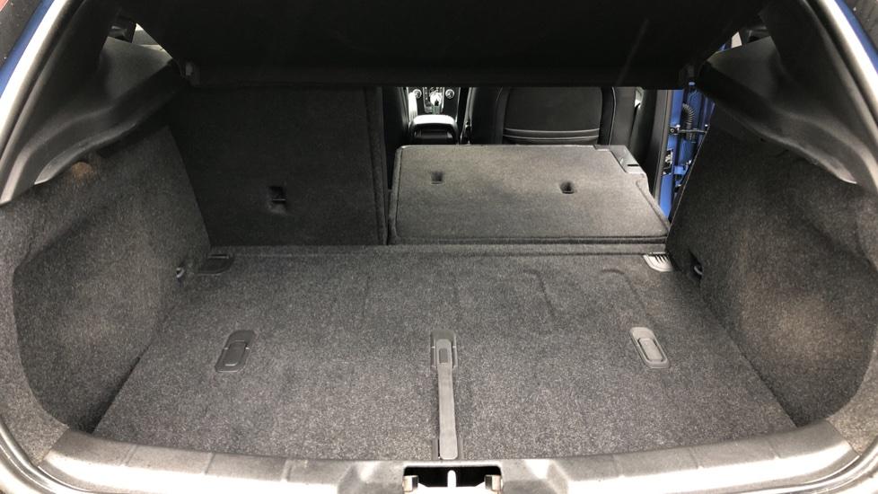 Volvo V40 T2 R Design Nav Plus Auto, Winter Plus Pack, Active Bending Headlights, Tints, Rear Camera, DVD image 18