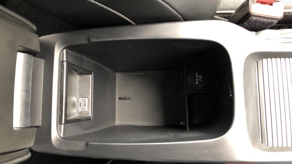 Volvo V40 T2 R Design Nav Plus Auto, Winter Plus Pack, Active Bending Headlights, Tints, Rear Camera, DVD image 24