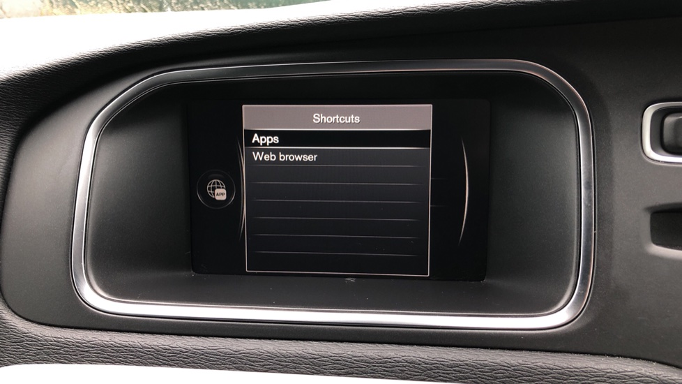 Volvo V40 T2 R Design Nav Plus Auto, Winter Plus Pack, Active Bending Headlights, Tints, Rear Camera, DVD image 23