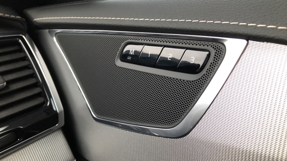 Volvo XC90 B5D Mild Hybrid R Design AWD AT, Xenium & Winter Pks, Htd Screen, 360Cam, PanoRoof, BLIS image 24