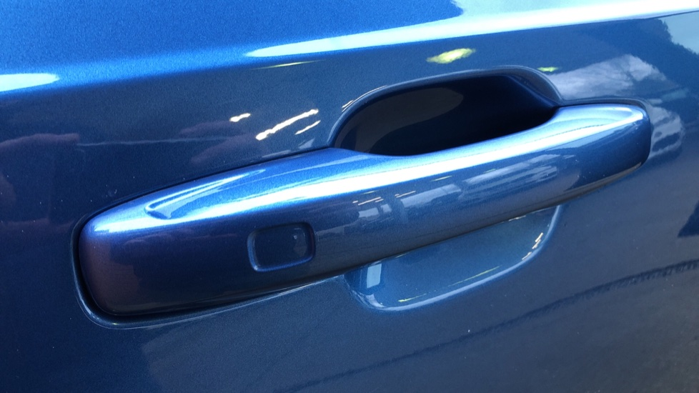 Volvo XC90 B5D Mild Hybrid R Design AWD AT, Xenium & Winter Pks, Htd Screen, 360Cam, PanoRoof, BLIS image 8