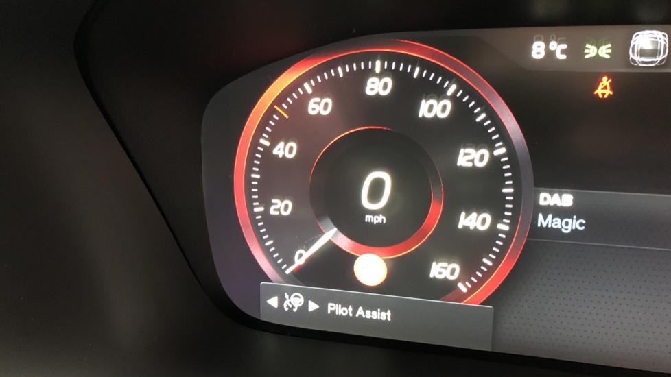 Volvo XC90 B5D Mild Hybrid R Design AWD AT, Xenium & Winter Pks, Htd Screen, 360Cam, PanoRoof, BLIS image 15