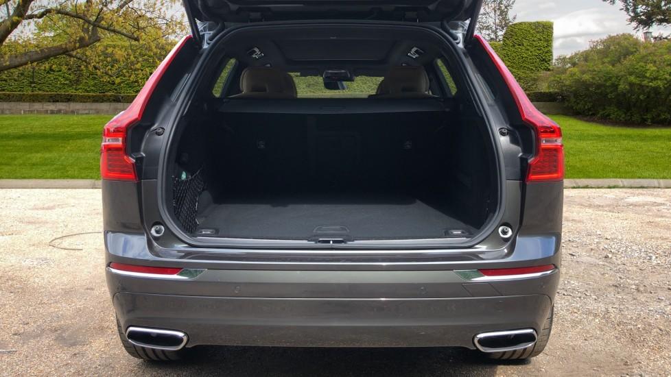 Volvo XC60 B4D Mild Hybrid Inscription Pro AWD AT, IntelliPro & Xenium Pks, B & W Audio, 22 Inch Alloys image 25